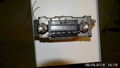 Auto 8 Spurkassettengerät  und Radio Stereo