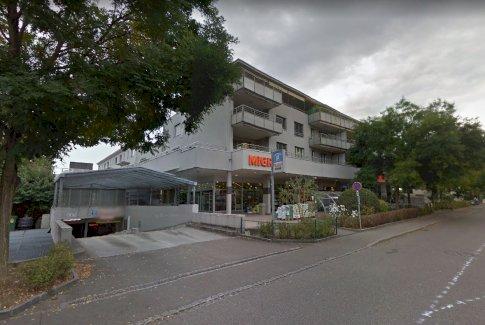 Autoeinstellplatz mit Waschplatz, 4133 Pratteln - Gratisinserat.ch