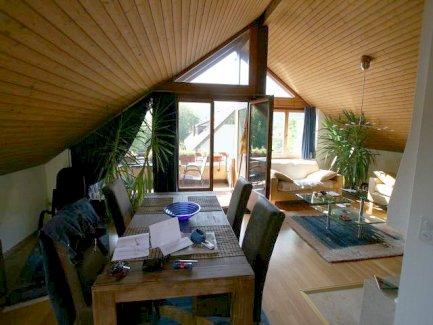 Zu vermieten Wunderschöne Dachwohnung in Ettingen mit Sicht auf den Wald - Gratisinserat.ch