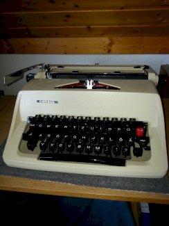 Mechanische Schreibmaschine Consul - Gratisinserat.ch