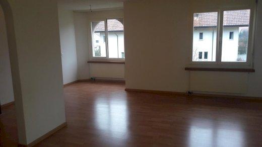 Gemütliche und sonnige 2.5 Zimmer Wohnung in Niederbuchsiten, mit Balkon - Gratisinserat.ch