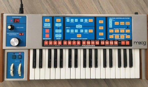 Moog Source Analogsynthesizer mit MIDI Interface