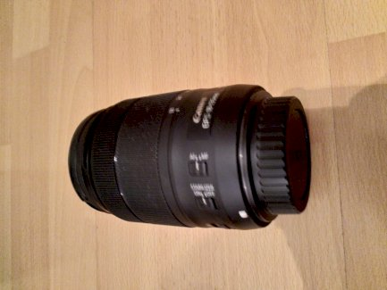 Canon EF-S 18-135mm f/3.5-5.6 IS USM. Objektiv mit Lenshood und UV Filter - Gratisinserat.ch
