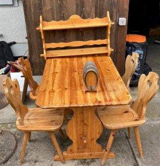 Tisch, 4 Stabellen, Wandregal, Massivholz