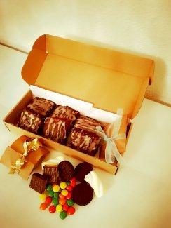 Mamis-Grosis-Gottis Surprise Box Brownie Selektion  - Gratisinserat.ch