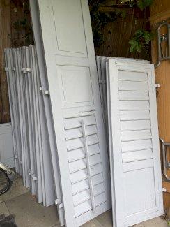 Alte Holzfensterläden zu verkaufen - Gratisinserat.ch