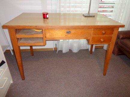 Schreibtisch Original aus den 50 er Jahren - Gratisinserat.ch