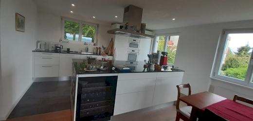 Top ausgestattete 4.5 Zimmer Eigentumswohnung an ausgezeichneter Lage zu fairem Preis