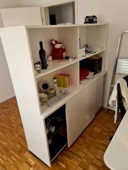 Praktischer Büro Schrank zu verkaufen