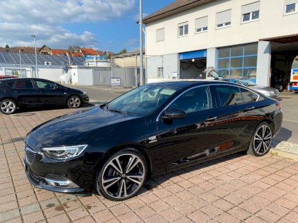 Opel Insignia 2 wunderschön, Verkauf wegen Firmenwagen - Gratisinserat.ch