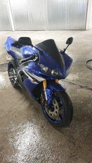 Verkaufe meine Yamaha R1 / 2006 - Gratisinserat.ch
