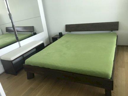 Sehr Schönes Holzbett