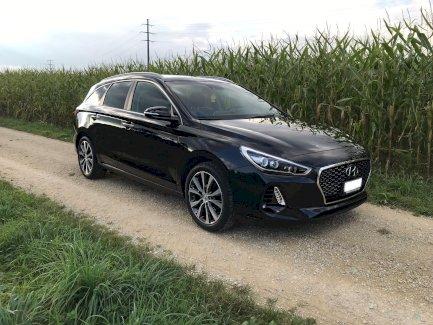 HYUNDAI i30 Wagon 1.6 CRDi Vertex (Kombi) - Gratisinserat.ch