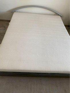 Doppelbett mit oder ohne Matratze zu verkaufen 160x200 - Gratisinserat.ch