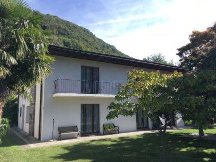 3-Zimmer Ferienwohnung/Ferienhaus für 4 Personen mit Garten in Pianezzo (TI)