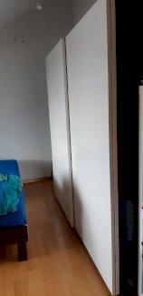 Kleiderschrank mit Schiebetür - Gratisinserat.ch