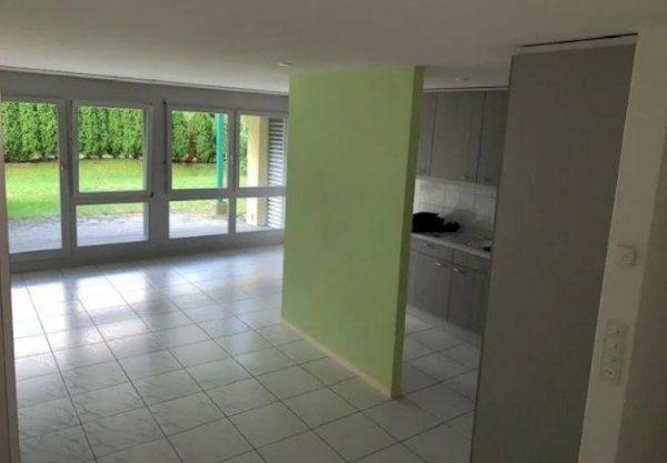 2 1/2-Zimmer Gartenwohnung mit PP in Einstellhalle